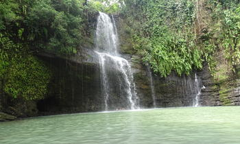 The ride is most pleasant and the surroundings of the waterfall are lush. Androadroatra waterfall that flows into a lake where swimming is very relaxing