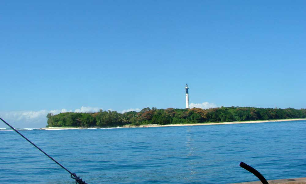 Located 17km off Toamasina, 45 minutes by boat, Plum Island, 2km long and 400 metres wide, is an ideal place for nature and adventure seekers